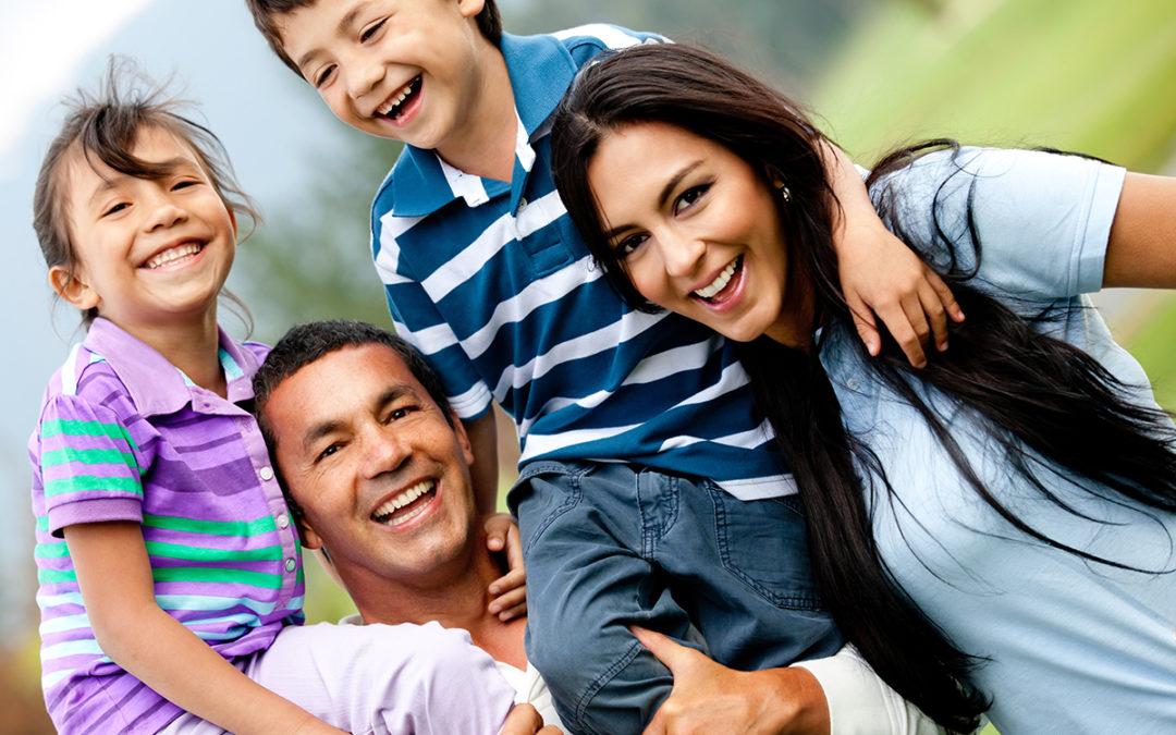Familias armoniosas unidas por el amor.